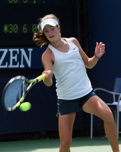 CiCi_Bellis_at_the_2013_US_Open_2